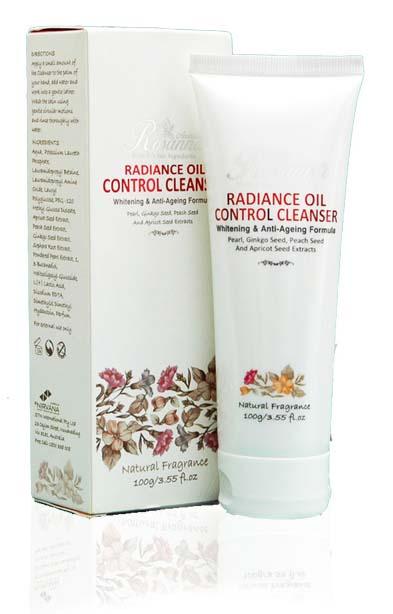 Sửa rửa mặt Rosanna Radiance Oil ConTrol Cleanser Natural Fragrance