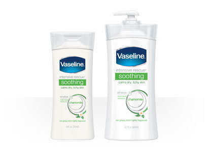 Dưỡng thể Vaseline Intensive Rescue Soothing Chamomile Body Lotion - Photo 4